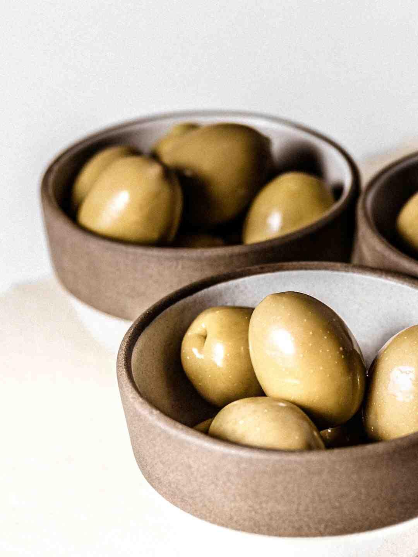 Comment dénoyauter des olives