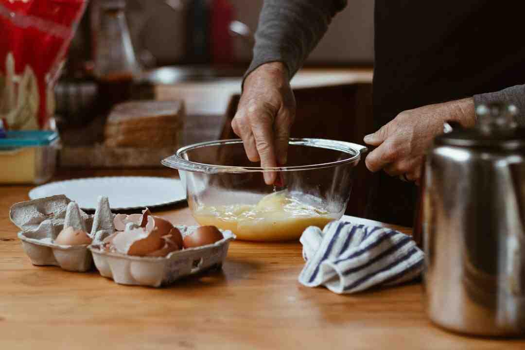 Comment faire des œufs brouillés légers et mousseux