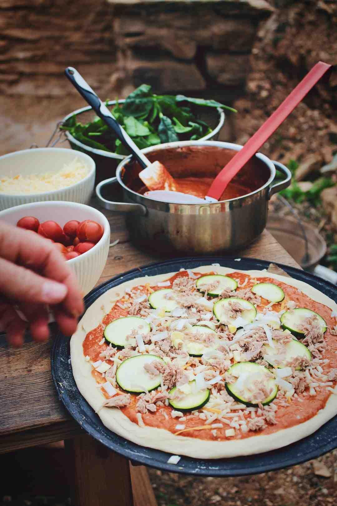 Comment préparer une pizza à la maison sans utiliser un four